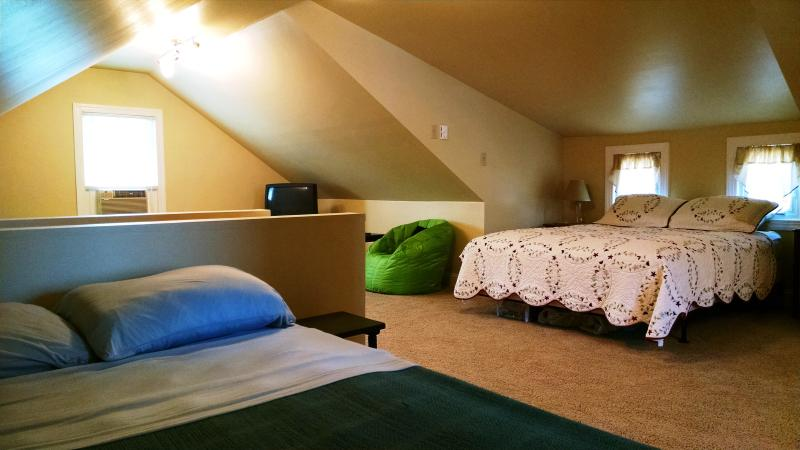 Loft Bedroom w/TV