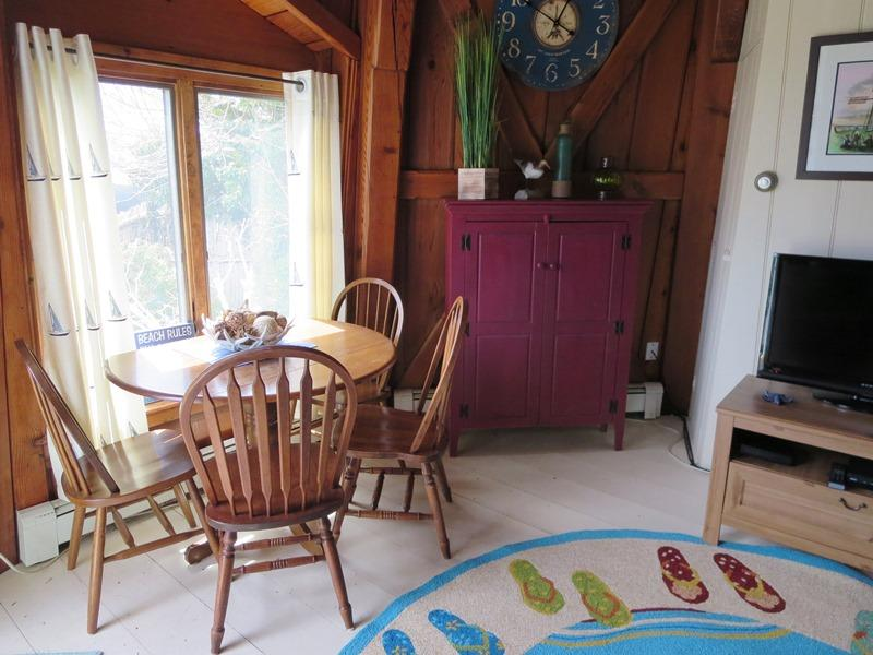 Dining - 51 Eliphamets Lane (Windmill House) Chatham Cape Cod New England Vacation Rentals