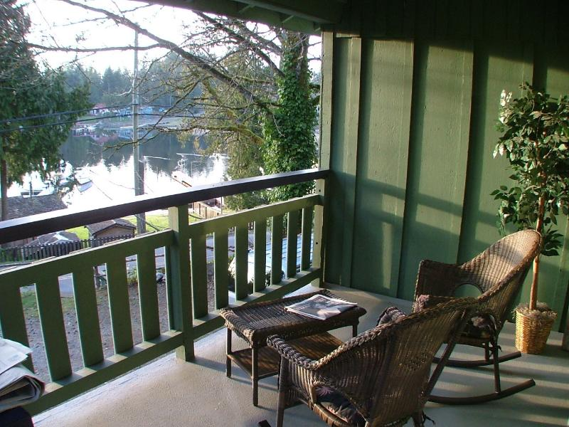 SLVR - Strathcona Cottage, vacation rental in Vancouver Island