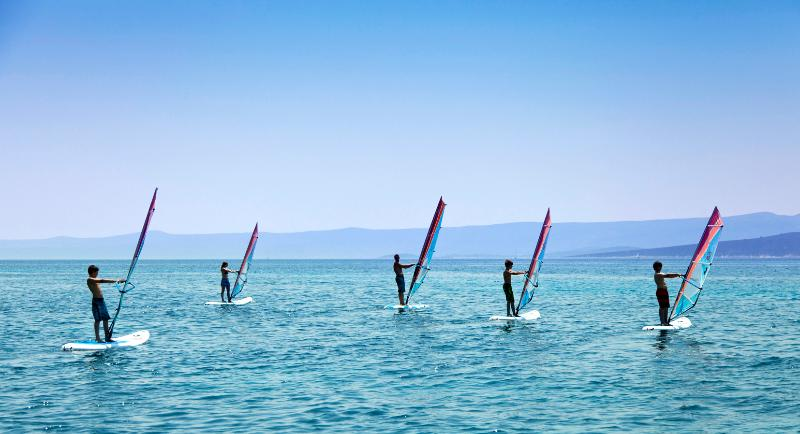 Windsurfing school