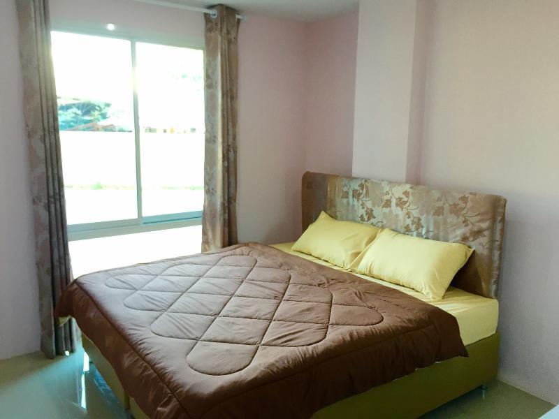 Chokpipat Residence, holiday rental in San Phranet