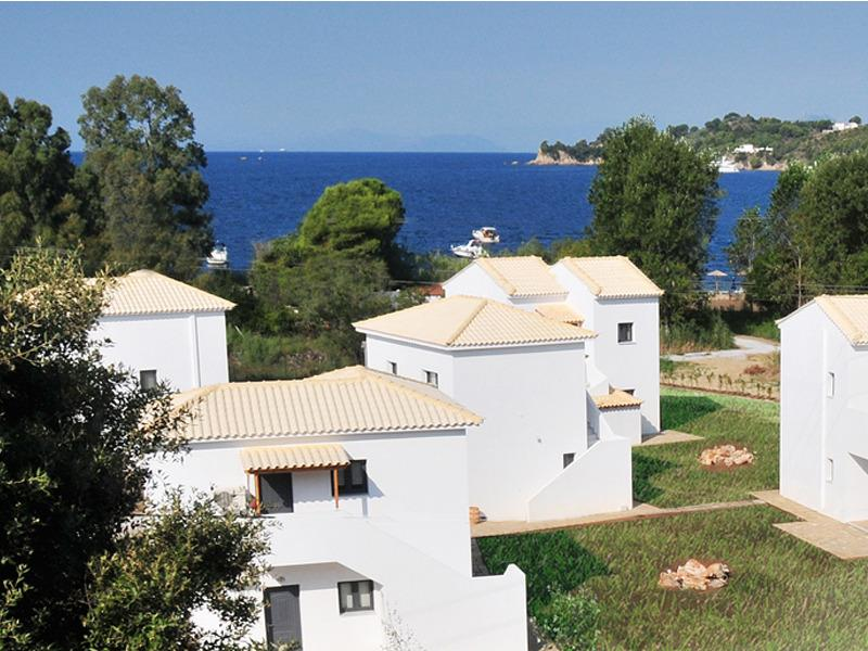 Relaxing holidays at Kleopatra Villas!on the beach, location de vacances à Troulos