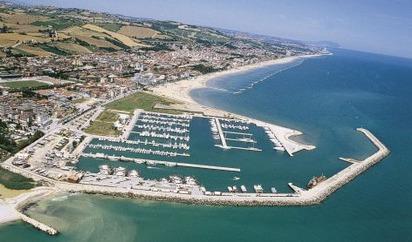 TrentHouse, holiday rental in Porto San Giorgio