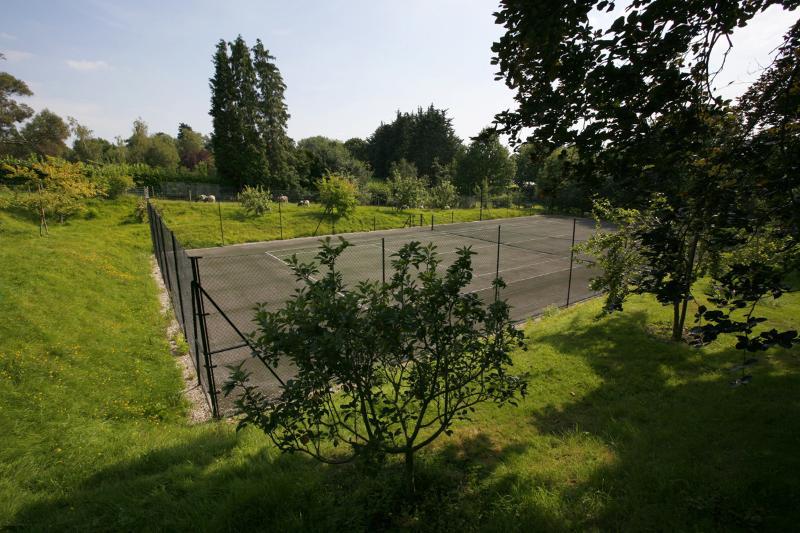 Woodend Tennis Court