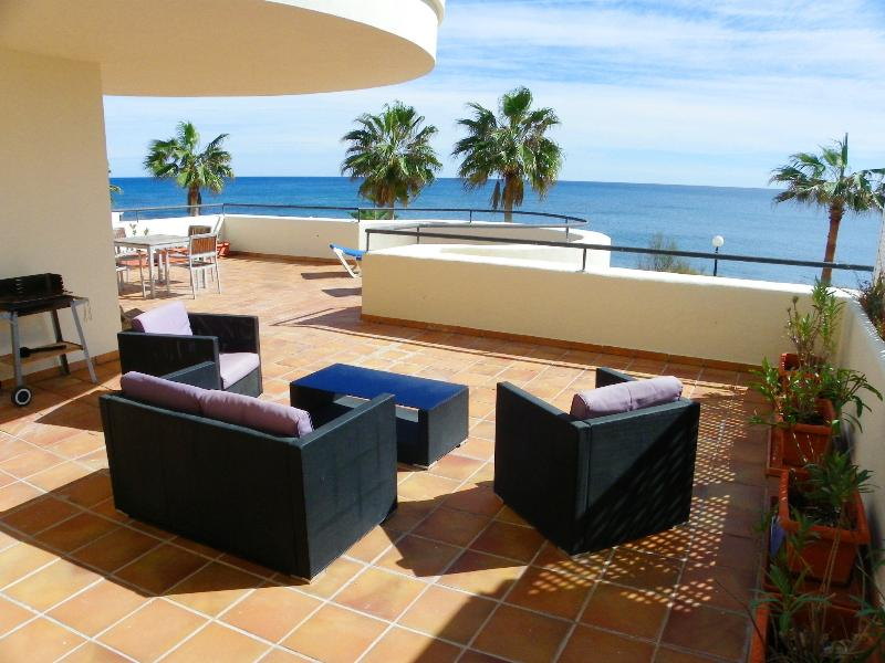 Lounge möbler på terrassen