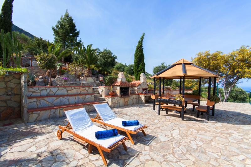 stone shower, barbeque and oven on the terrace