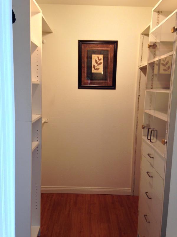 Walk-in Closet en el dormitorio principal