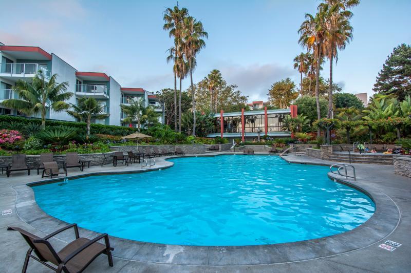 Otro punto de vista de las piscinas