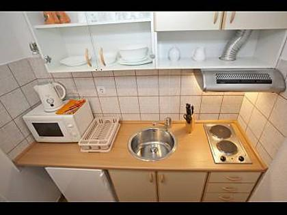 SA Narančasti (2): kitchen