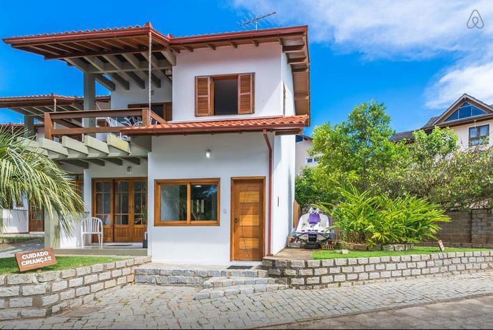 Casa de temporada na Praia Mole, holiday rental in Barra da Lagoa
