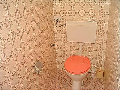 A1 (6 + 2): salle de bain avec toilette