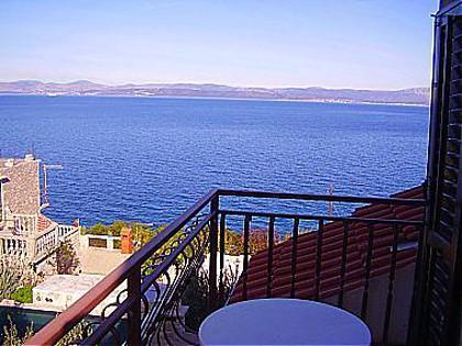 A2(2+3): balcony view