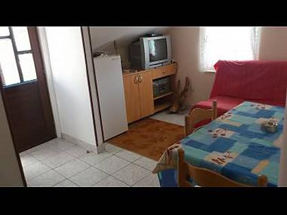 A2(2+3): living room