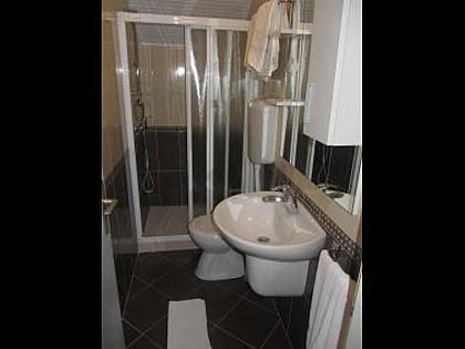 A5 (2 + 2): salle de bain avec toilette