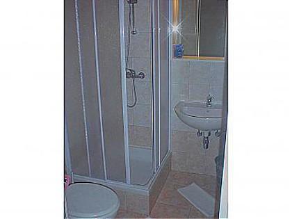 SA7 (2 + 1): bagno con wc