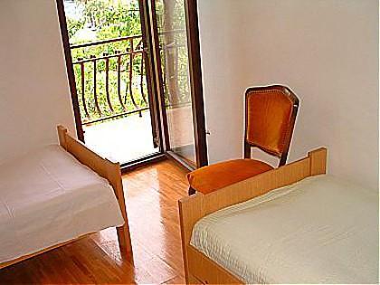 A1(6): bedroom