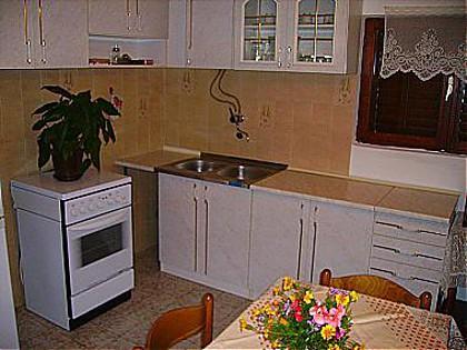 A(4+1): kitchen