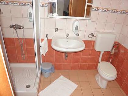 A16 (4 + 2): banheiro com vaso sanitário
