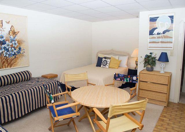 Bedroom 4 / Beach Room