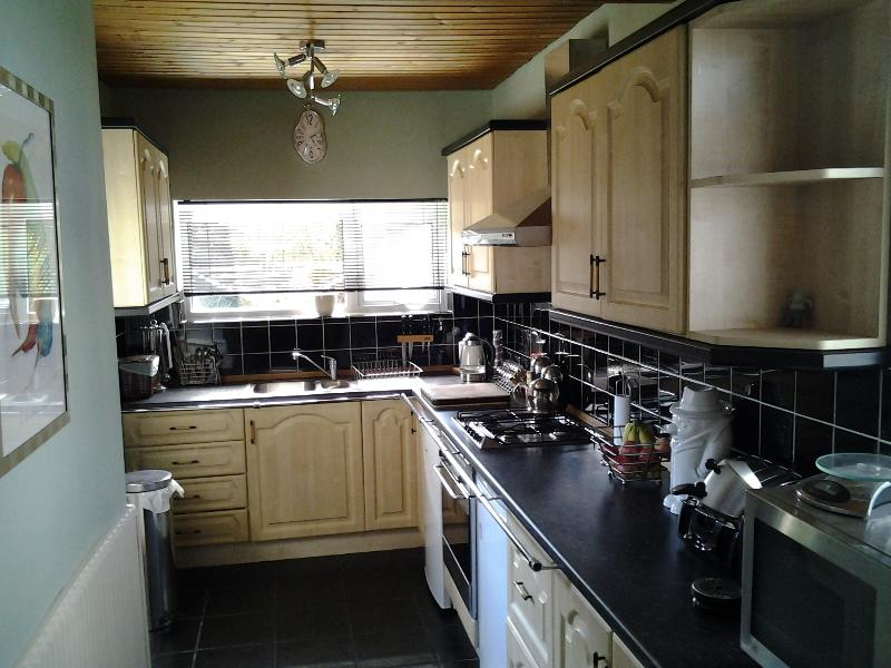 Spacious fitted Kitchen with modern conveniences