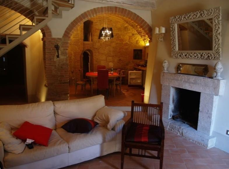 Gorgeous, Fully Renovated Town Home, holiday rental in Cetona