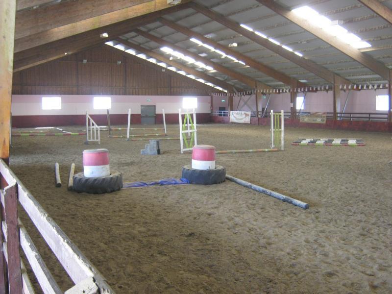 Drumcoura Equestrian Centre (10 mins)