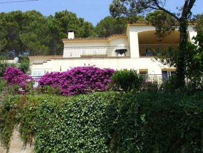 Peaceful Location. Walking Distance to Beach, holiday rental in Begur