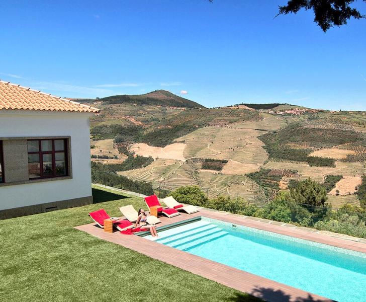 Luxury Villa - HEATED POOL - Douro Valley - Free Daily Breakfast - Aircon, holiday rental in Vila Real District