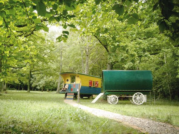 Trois roulottes pour une seule location, location de vacances à Varzy