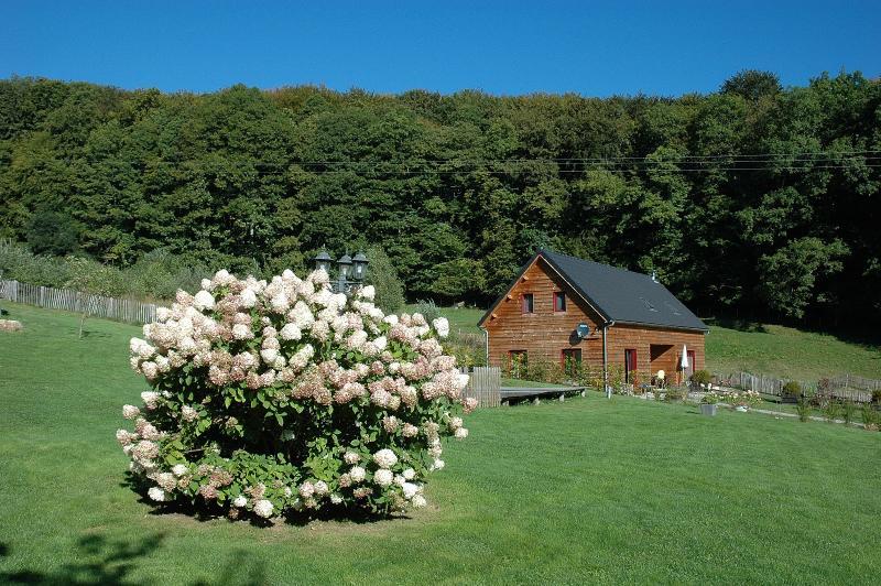 Morvan Rustique - Gîte Darion, vacation rental in Saint-Didier-sur-Arroux