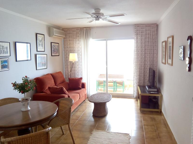 Living room. LIVINGROOM.