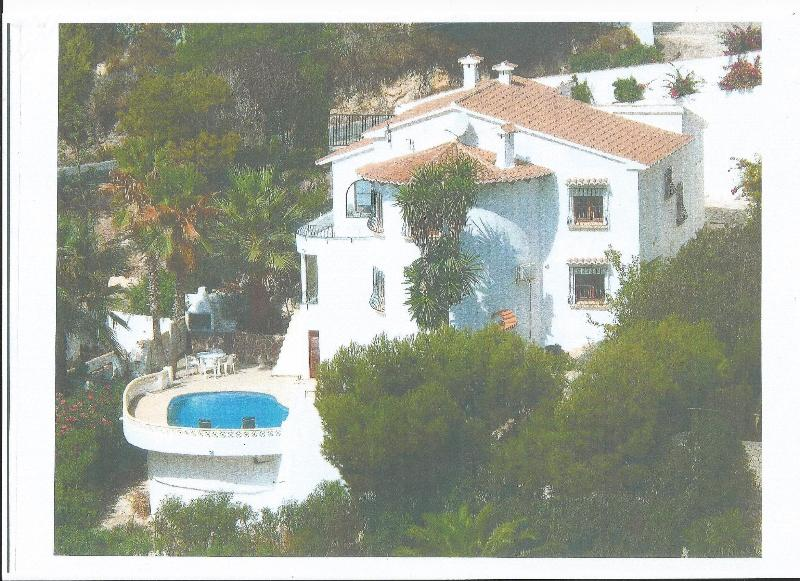 LARGE FAMILY VILLA WITH PRIVATE POOL WITH SEA VIEWS