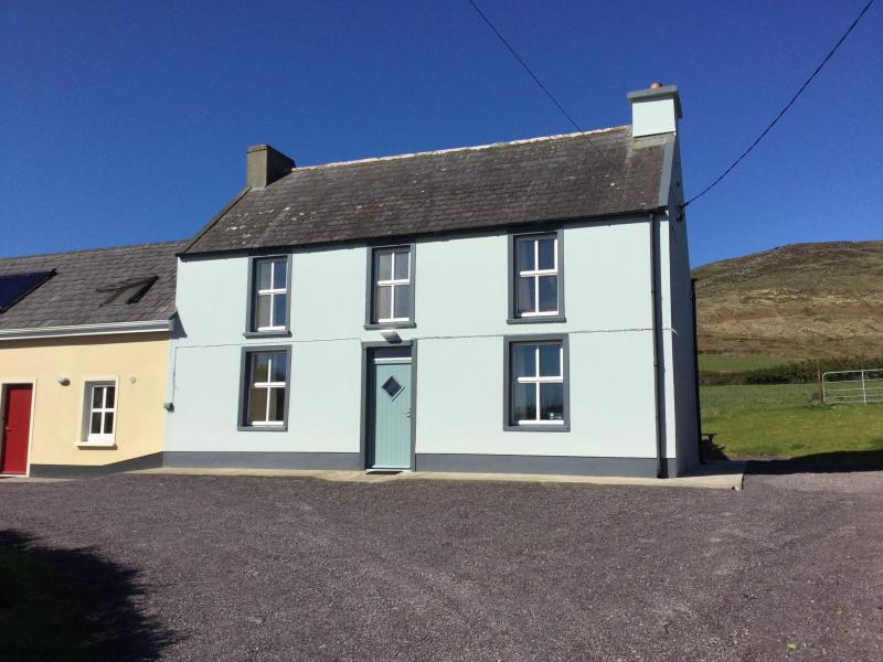 Tigh Ui Chathain, holiday rental in Dunquin