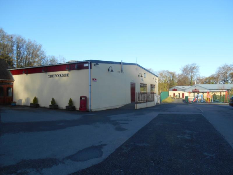 Pooside Bar offering Free WiFi and food at Glan Gwna Park