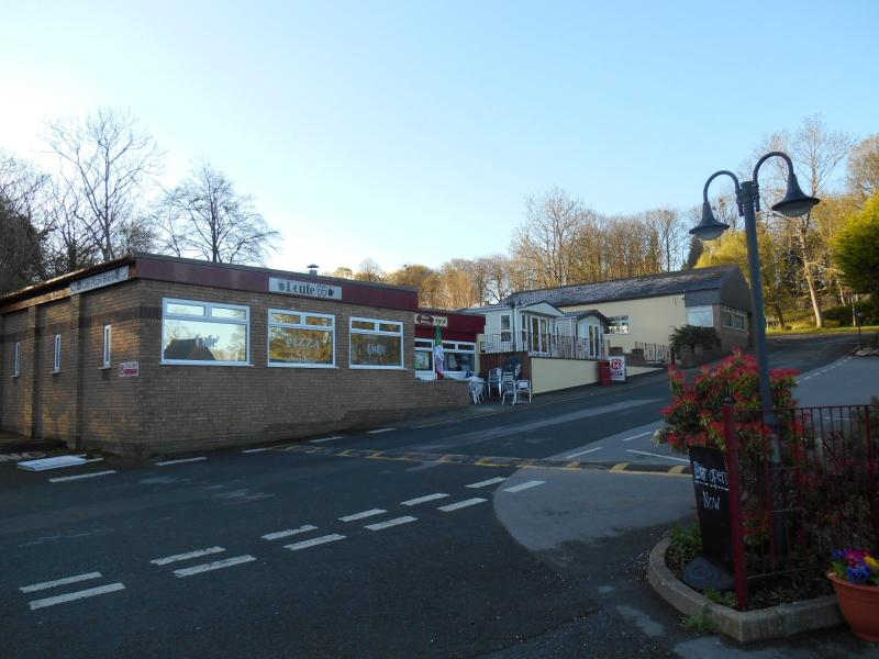 Cafe / Pizzeria and Shop at Galn Gwna Park
