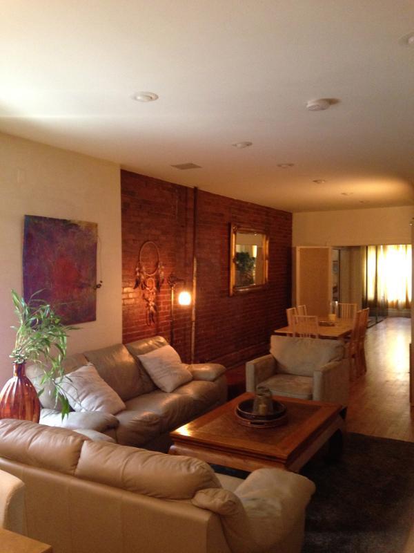 Chelsea/Manhattan Spacious  Modern 2br Apt, location de vacances à Maspeth