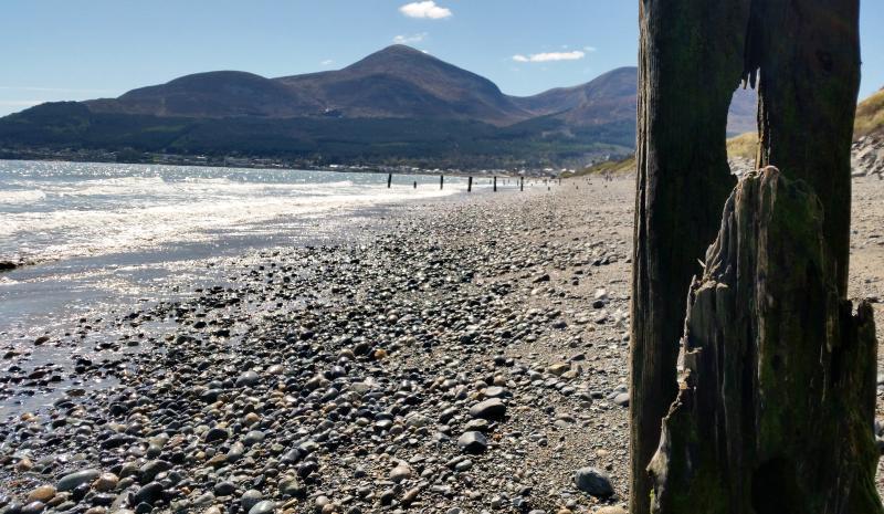 Chi potrebbe resistere una passeggiata sulla spiaggia quando il tempo è come questo? Tempo per assaporare un momento magico!