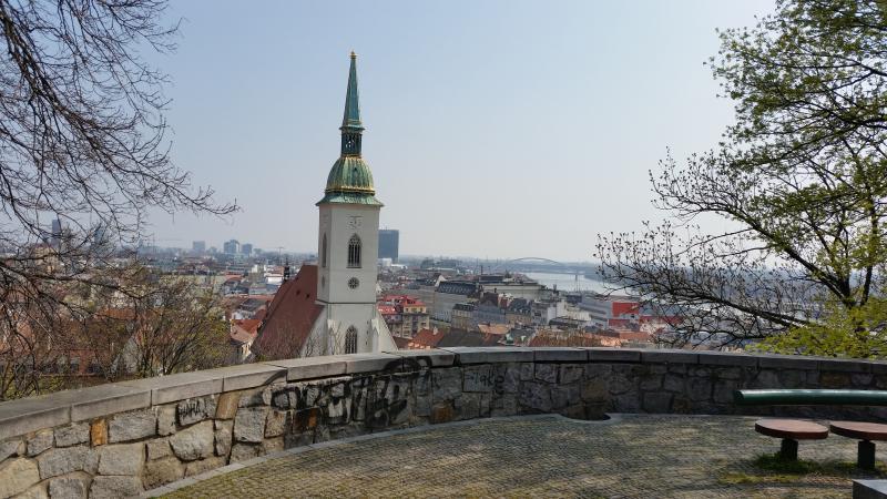 Vue depuis la colline du château. L'endroit est à environ 50 mètres de l'appartement.