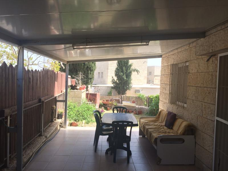Pisgat zeav house, holiday rental in Kfar Adumim