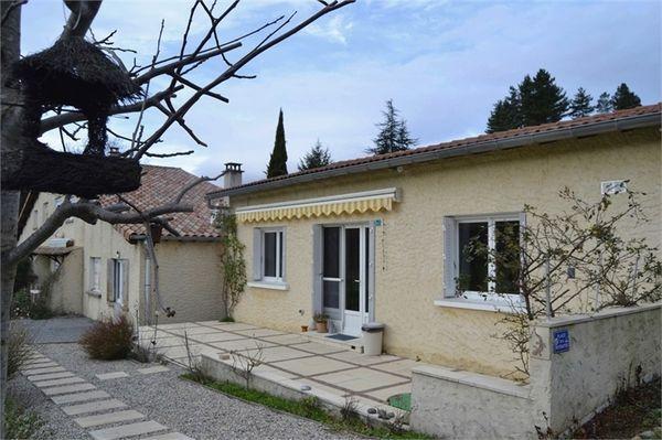 Belle maison au pied des montagnes, holiday rental in Prades