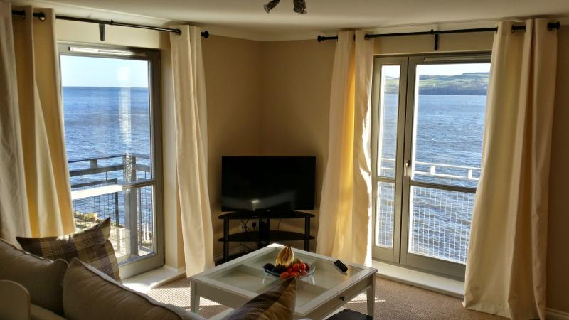 Marine View twin aspect Lounge