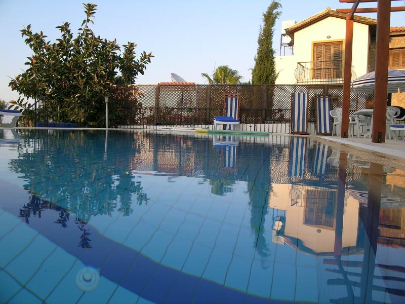 8 x 4m unheated private pool