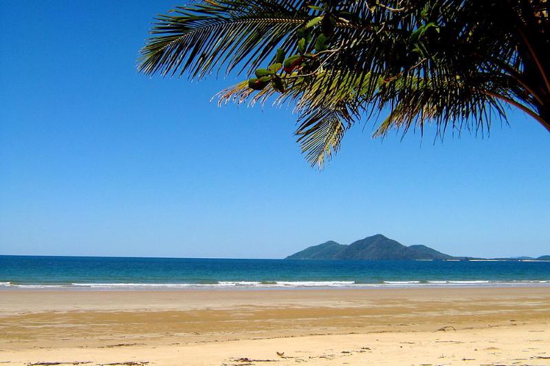 Dunk Island Holidays: Beachfront On Mission