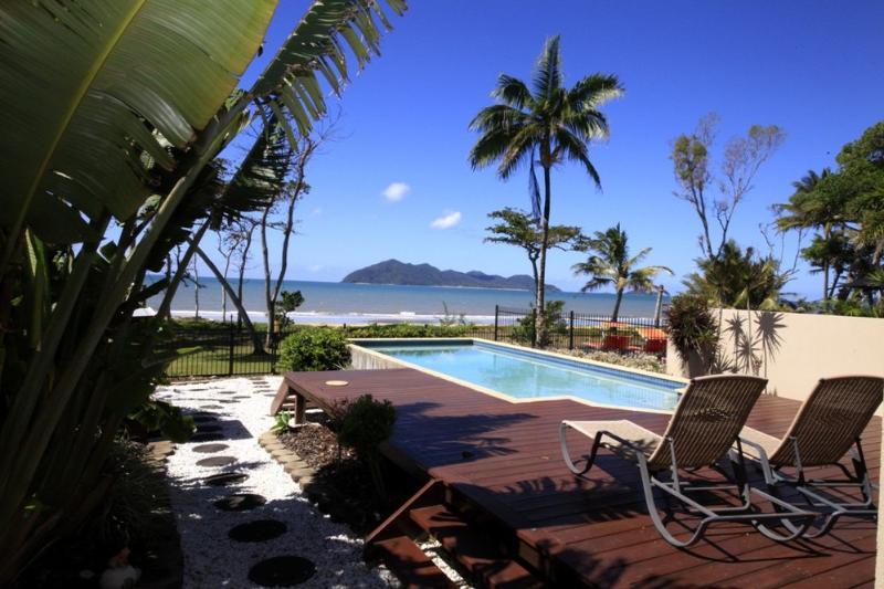 Frangipani Place - Pool to Dunk Island