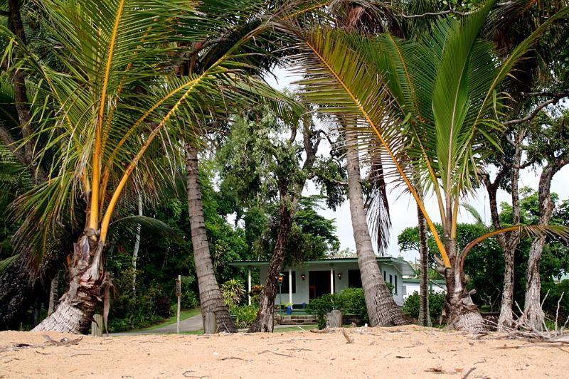 Dixon's Beach House -Beach to House