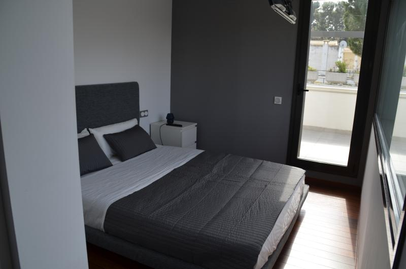 Main bedroom with double bed of 160cm.