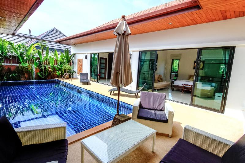 2 Bedrooms Grand Pool Villa In Rawai
