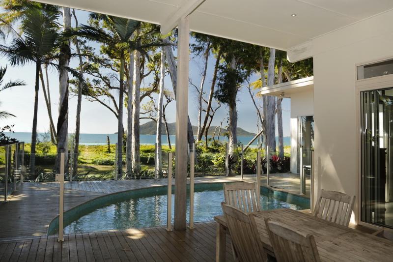 Dunk Island Holidays: Absolute Beachfront Luxury