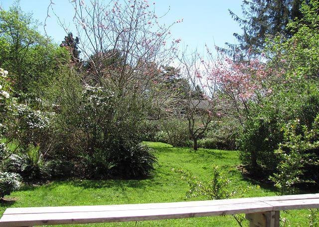 Patrick's Point Retreat est entouré de beaux jardins.