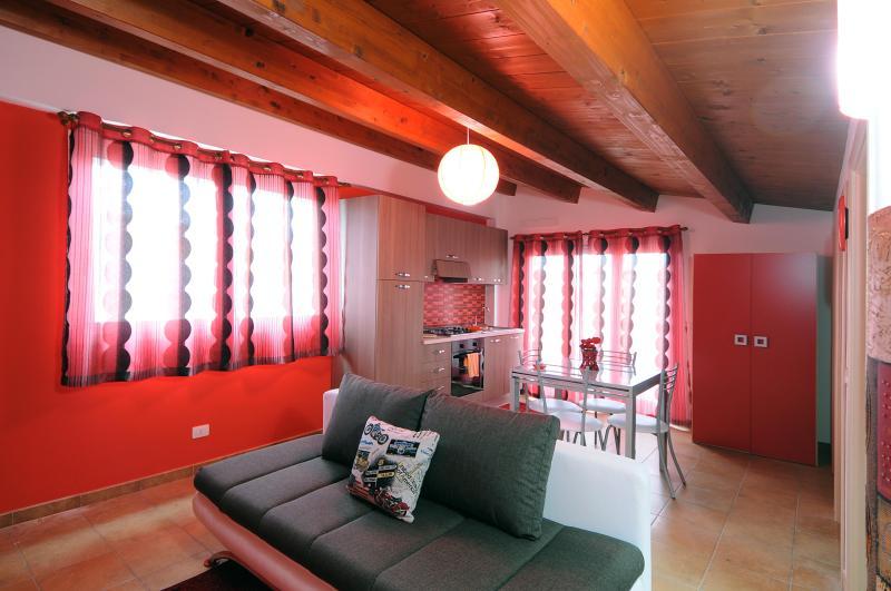 Cocorito Apartments, holiday rental in Pellegrino